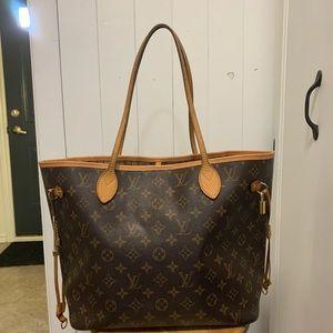 Louis Vuitton Bags - Louis Louis MM Neverfull.